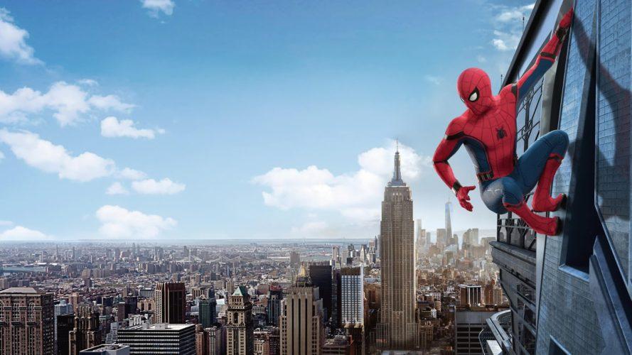 Homem-Aranha: De Volta ao Lar | 'Tom Holland' visita hospital infantil vestido como o Super-Herói